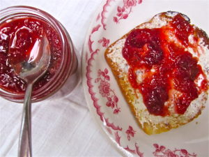 Oven-cooked Strawberry Rhubarb Jam